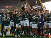 Com herói improvável e gol no fim, Palmeiras vence o Santos e conquista Libertadores