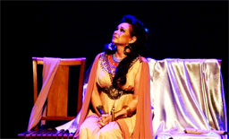 Peça estreia dia 9 de janeiro no Teatro West Plaza e marca os 45 anos de carreira da atriz. Foto: Pedro Arthur Rios