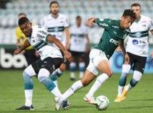 Rebaixado, Coritiba marca no fim e derrota Palmeiras em casa