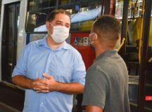 Marcelo Oliveira esteve no local para levantar informações e ouvir demandas de usuários e trabalhadores.Foto: Edu Guimarães
