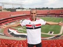 Miranda diz que volta ao São Paulo com fome de título e promessa de time campeão