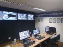 Central de monitoramento conta com 36 câmeras instaladas em diversos pontos da cidade. Foto: Divulgação/PMETRP