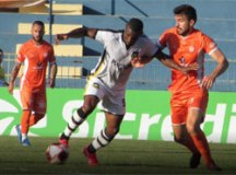 São Bernardo FC empata no final com Atibaia e se garante na semi