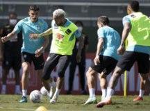 Neymar volta a criticar gramado do Engenhão nas redes sociais