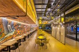 A sinergia e a proposta do restaurante tem tudo a ver com a charmosa rua, frequentada pelo público antenado com a moda e com o melhor da gastronomia paulista. Foto: Divulgação
