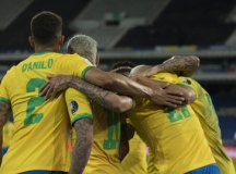 Brasil derrota Peru e avança à final da Copa América