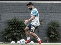 De olho no Independiente, Santos faz treino leve antes de viajar à Argentina