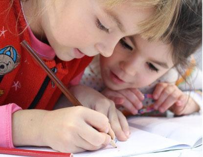 Alunos com menos de 3 anos continuam com ensino remoto. Foto: Klimkin/Pixabay