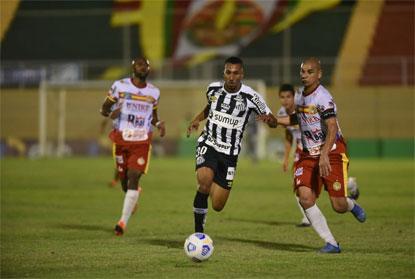 Santos perde para o Juazeirense, mas avança na Copa do Brasil