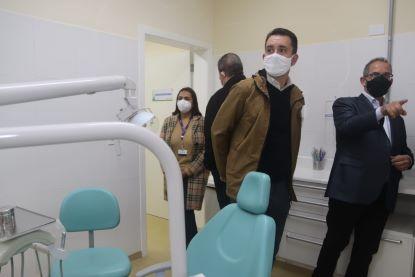 Paulo Serra acompanhou a entrega e comentou sobre a importância do programa Qualisaúde, principalmente durante a pandemia. Foto: Helber Aggio/PSA