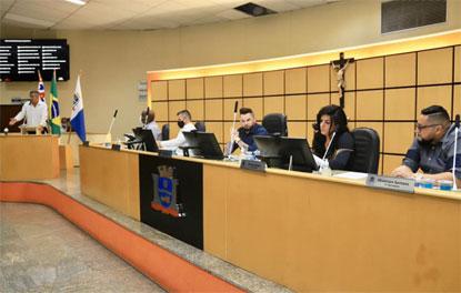 Câmara de Mauá rejeita pedido de impeachment de Marcelo Oliveira