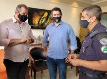 Eduardo Leite e Luiz Fernando discutem segurança nas divisas com comandante da PM no ABC