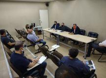 Reunião entre diretores do Sindicato e secretários da Prefeitura, acompanhados pelo prefeito Marcelo Oliveira. Foto: Divulgação/Sindserv Mauá