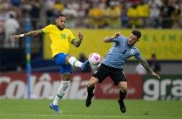 Raphinha brilha, e Brasil goleia Uruguai por impiedosos 4 a 1