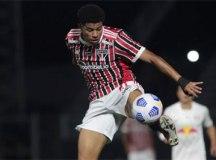 Gabriel Sara lamenta chances desperdiçadas pelo São Paulo: 'Temos de melhorar'