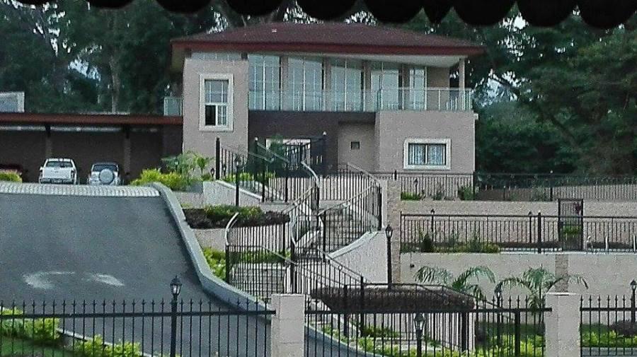 Vivienda construida con los fondos robados al estado..