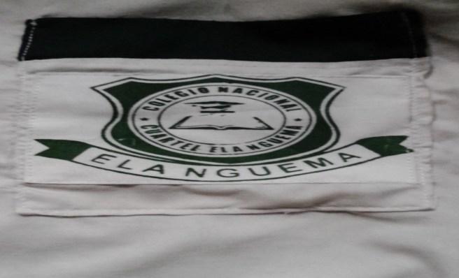 """Foto, logotipo del Colegio Nacional """"Cuartel Elá Nguema"""" sellado sobre un trapo, cuesta 2.000 mil francos."""