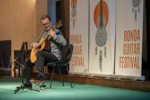 Ruiz del Puerto, guitarrista clásico de proyección internacional.