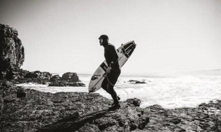 Patagonia lanza en Chile inédito traje de surf hecho a partir de la planta guayule