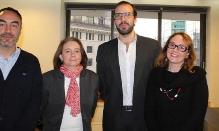 Especialista español de voluntariado se reúne con líderes de organizaciones sociales