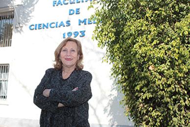 """Dra. Helia Molina: """"Hay que sacar las fuentes contaminantes de Santiago o el problema no tiene arreglo"""""""