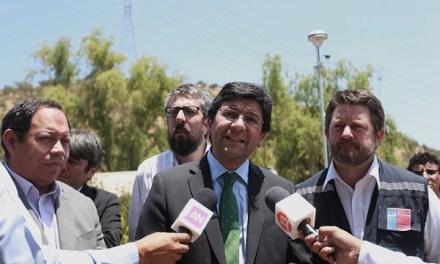 """Ministro Badenier: """"Dichos de Santa Marta son impresentables, estos incendios no arrojan solo vapor"""""""