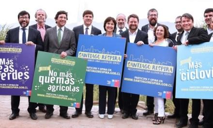 """Restricción a vehículos catalíticos y prohibición de uso de leña son las medidas ejes del nuevo Plan de Descontaminación Atmosférica """"Santiago Respira"""""""