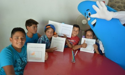 Niños de Los Andes y Calle Larga reciben libro que incentiva el cuidado del agua