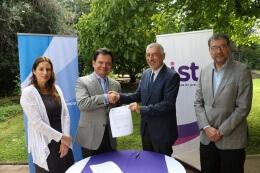 IST firma acuerdo de colaboración con Consejo para la Transparencia