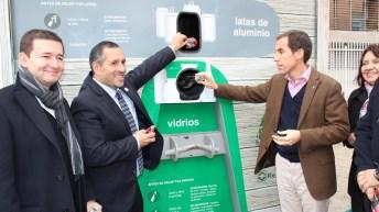 Recupac y Seremi del Medio Ambiente R.M. instalan innovador Punto Verde en Plaza de Bolsillo