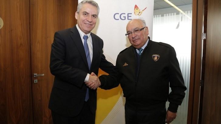 CGE y Bomberos de Chile firman alianza para reforzar conocimientos en materia de seguridad eléctrica