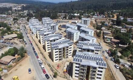 Inauguraron primer condominio social en altura que incorpora sistemas solares térmicos