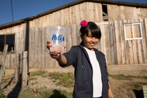 """P&G Chile celebra en Cobquecura Día Mundial del Agua junto a los beneficiados de su programa """"Agua Limpia para los Niños"""""""