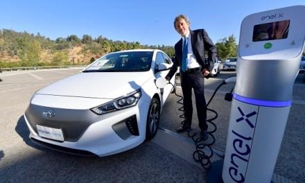 ENEL X instala nuevos puntos de carga en Vitacura y completa 20 electrolineras públicas en Santiago y Regiones