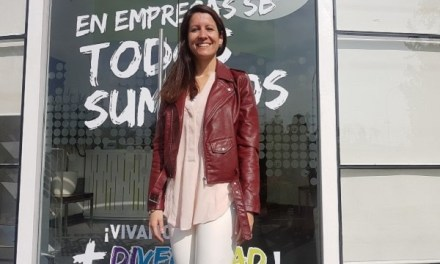 """""""Para innovar hay que enamorarse del problema, no de la solución"""", Ángeles Quintana,Gerente de Experiencia Clientes e Innovación en Empresas Salcobrand."""