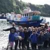 Bibliolancha recorre las islas de Chiloé en ayuda a las comunidades
