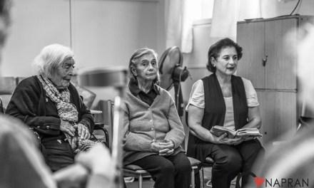 ¿Cómo ayudar a más de 500 abuelos que sufren de una precaria y solitaria vejez en Chile?