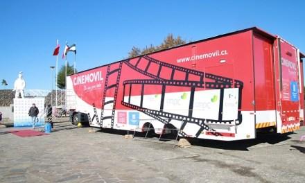 Cine en su plaza: sala móvil gratuita de CMPC llega al Biobío y La Araucanía