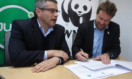 Jumbo y WWF firman alianza para revisar y optimizar cadena de suministro de productos del mar que se venden en sus supermercados