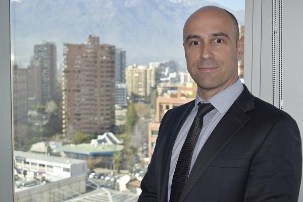 """Elier González, director de Veolia Chile: """"los Municipios tienen que tomar la decisión de implementar sistemas de recolección diferenciados"""""""