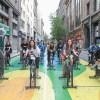"""Lanzan programa """"Espacios Abiertos"""" con spinning callejero en pleno centro de Santiago"""