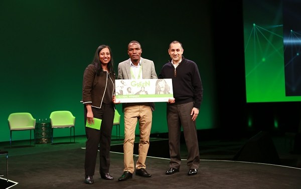 "Organic Photovoltaic Greenhouse Innovation gana la competencia de estudiantes ""Go Green in the City 2018"" de Schneider Electric"