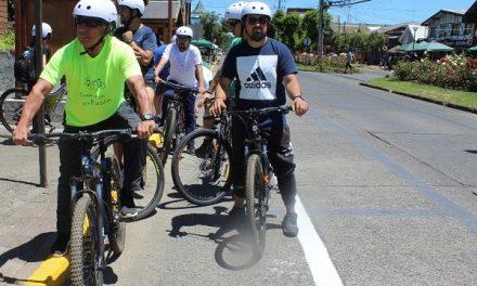 Pedalea Pucón: Bicicletas y móviles de acercamiento gratuito para descontaminar
