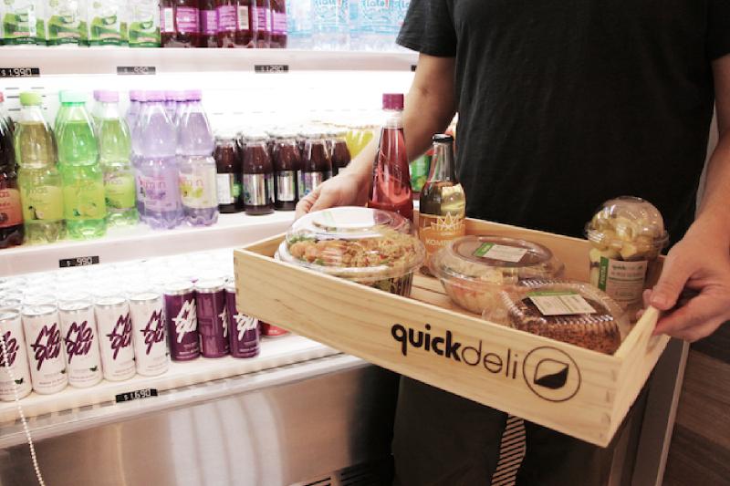 """Emprendimiento líder en comida rápida saludable lanza campaña """"recicla, reutiliza y reduce"""" y utiliza bombillas 100% compostables"""