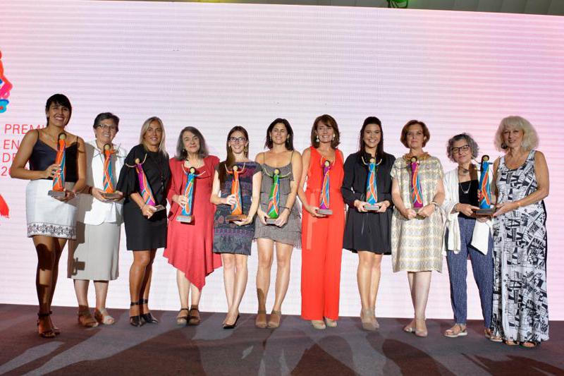 Enel Chile distingue a 12 chilenas que destacan por su contribución al desarrollo del País