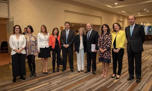 Cerca de 400 mujeres se reunieron en torno a trayectorias de destacadas empresarias en segunda Cumbre Mujeres de SURA Chile y Mujeres Empresarias