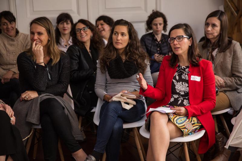 Plataforma Woomup convoca a mujeres empresarias para ser parte de su red de mentorías y talleres
