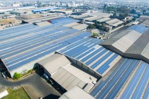 Mayor planta solar sobre techos de Sudamérica que funciona en Maipú, lleva su tecnología a casas y empresas