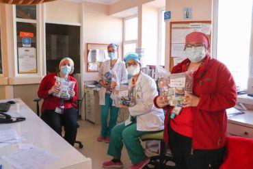 Carozzi, CCU, NESTLÉ, PepsiCo y Watt's entregan conjuntamente 45.000 colaciones a personal de hospitales públicos que continúan trabajando para superar la pandemia
