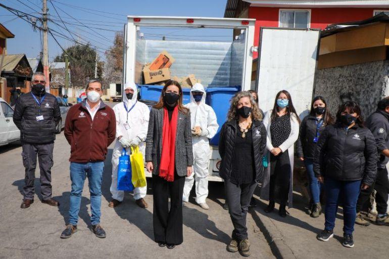 Ministra Schmidt visita proyecto de reciclaje domiciliario y anuncia expansión del nuevo sistema a todo Chile